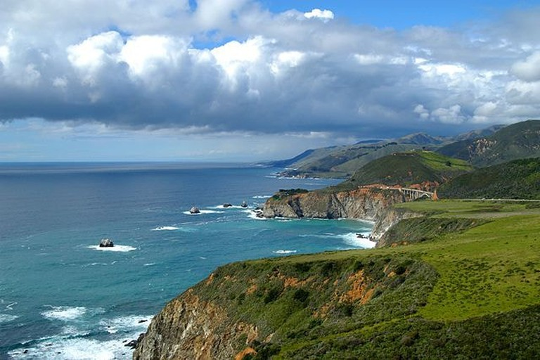 Monterey-Bay-©WikiCommons