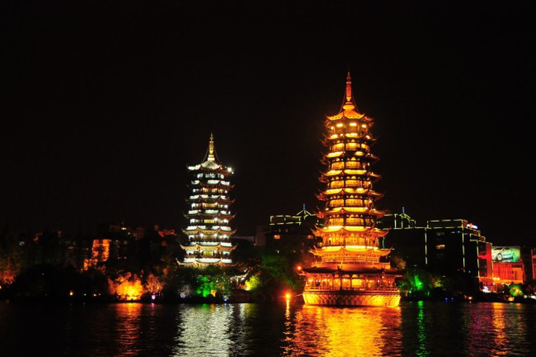 Sun and Moon Pagodas, Guilin / China