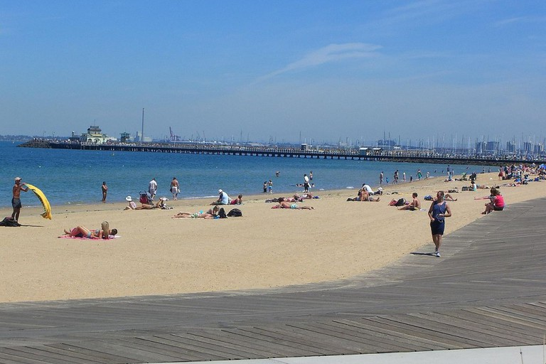 quiet_before_midday_-_st_kilda_beach_and_pier_3166045772-1024x768