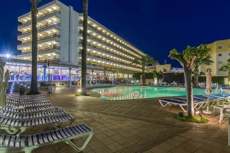 se706-0366-hotel