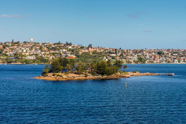 Shark Island in Sydney Harbour © byvalet / Shutterstock
