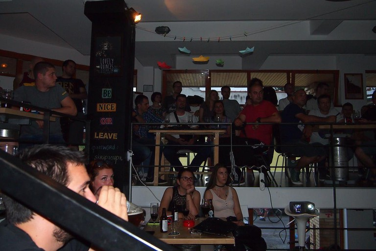 A captivated audience at Škripa Pub