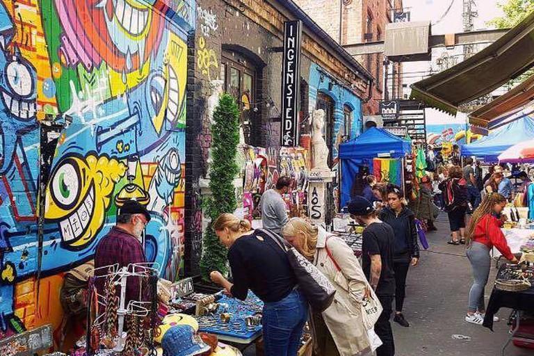 Søndagsmarkedet på Blå