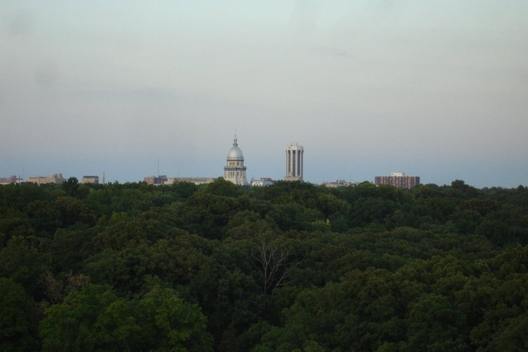 Springfield,_IL_-_Thomas_Rees_Memorial_Carillon,_view_of_downtown