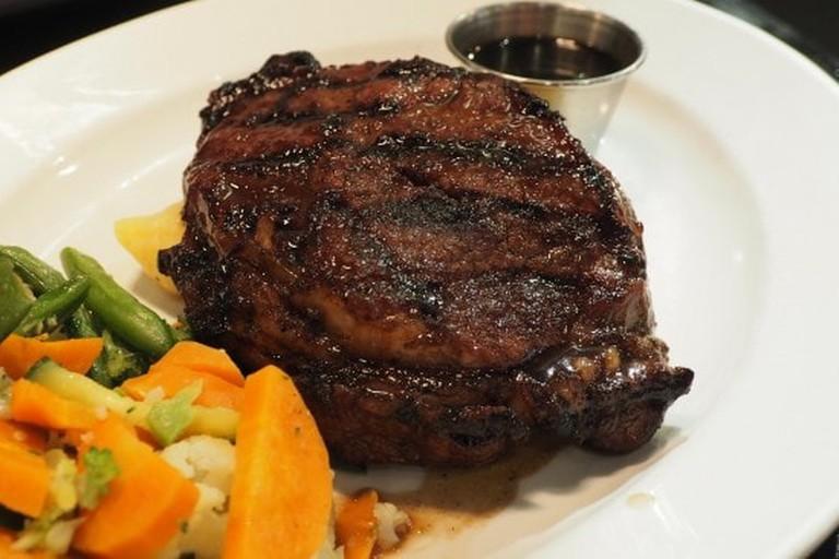 steak-1445122_1920-1-650x366