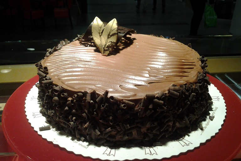 Ramin Konditoria chocolate cake