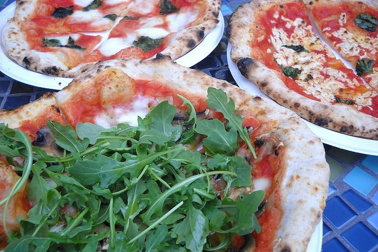 Vegetarian_&_vegan_pizza_from_PazzaRella_truck_in_Vancouver,_Canada_(7853306794)