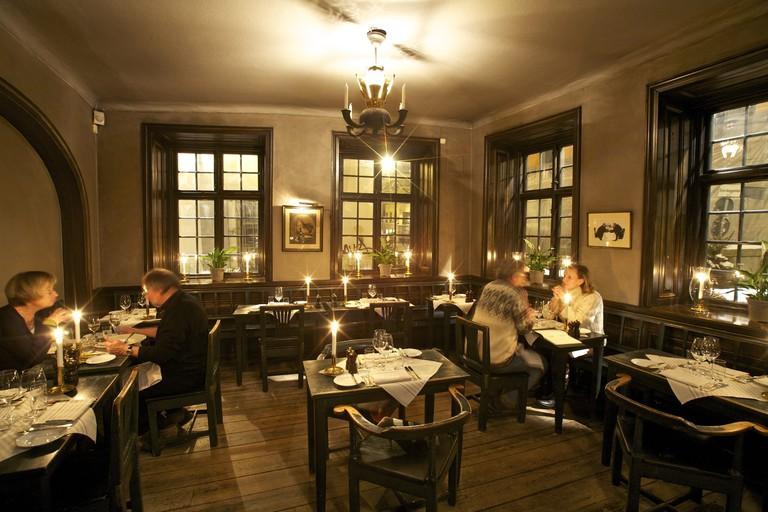 The stunning, and unchanged, interior of Den Gyldene Freden