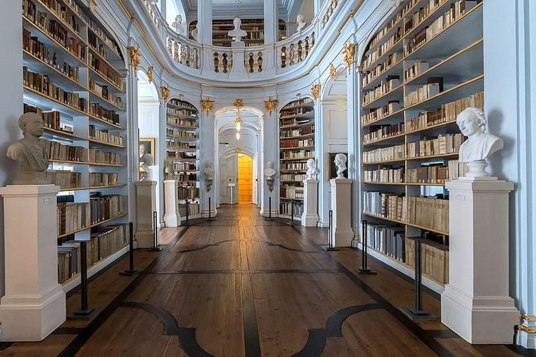 Weimar_Platz_der_Demokratie_1_Herzogin-Anna-Amalia-Bibliothek_44