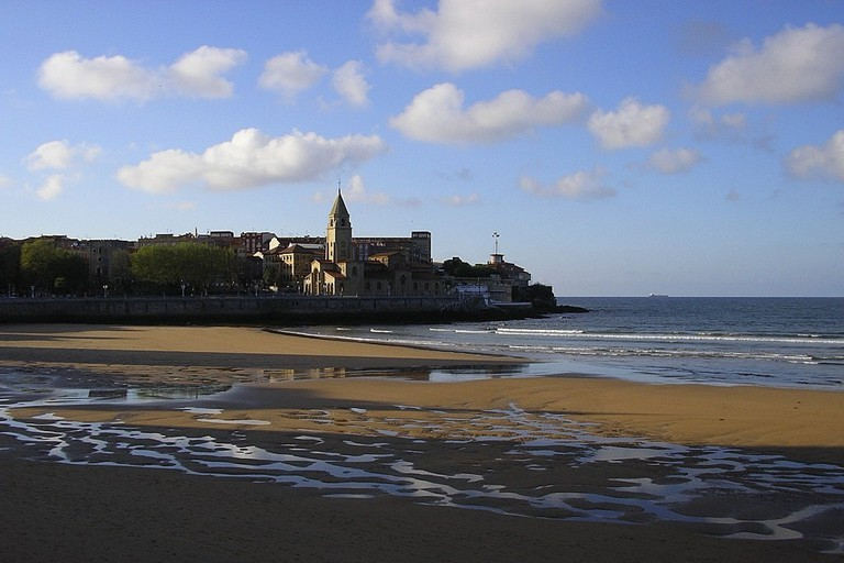 San Lorenzo Beach, Gijon, Spain
