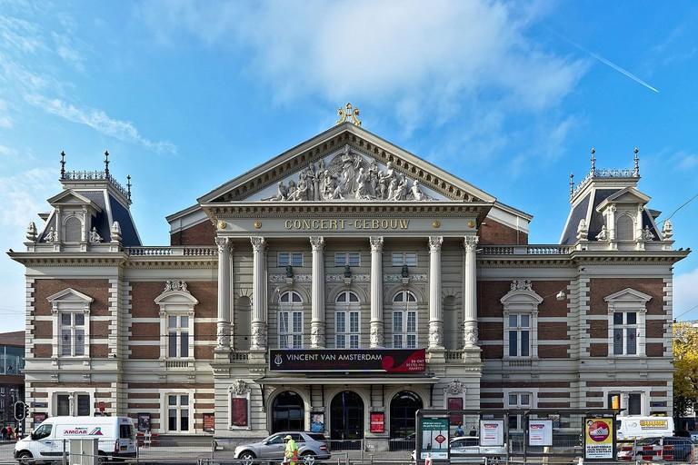 1200px-Concertgebouw_04