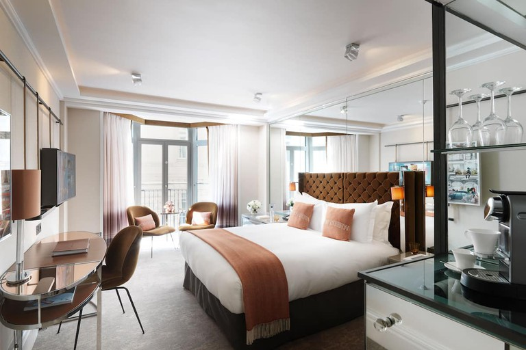 Deluxe room at The Athenaeum