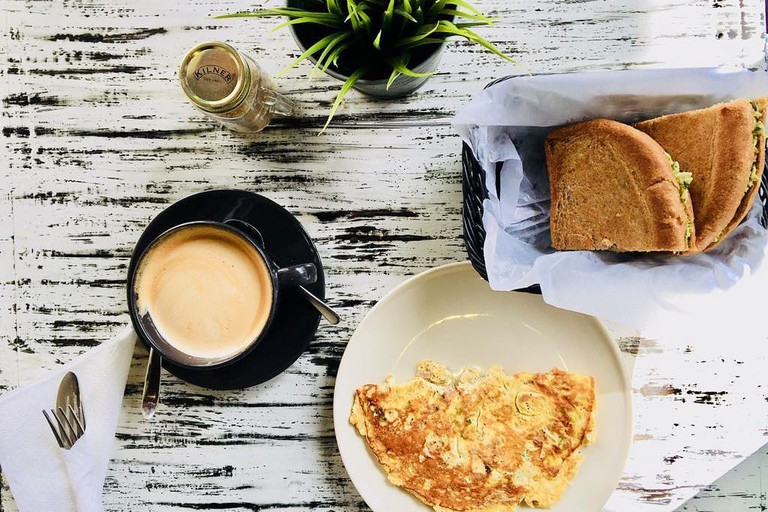 Healthy breakfast at Life Food