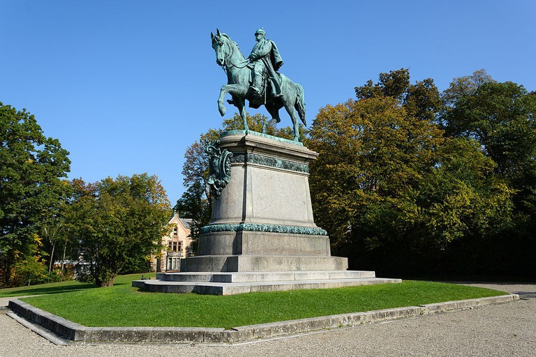 Coburg_-_Hofgarten_-_Reiterdenkmal_-_2014-10