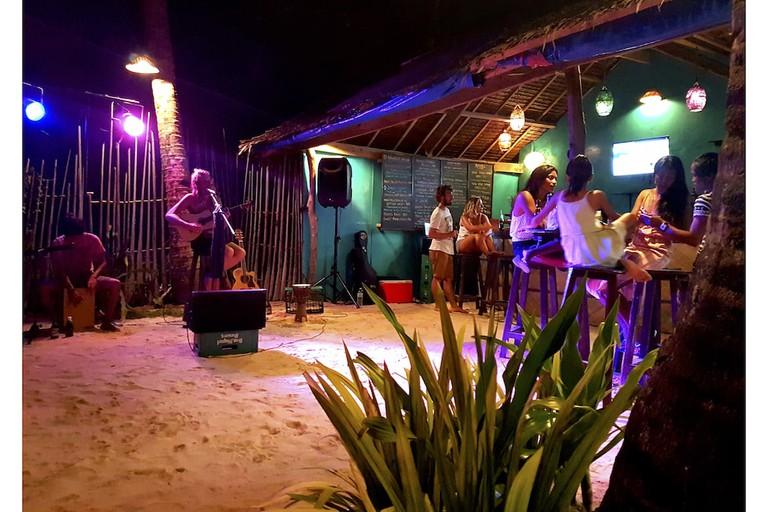 Hanigad Beach Bar
