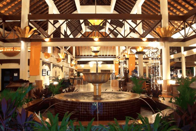Lobby Area of Le Grandeur Palm Resort Hotel