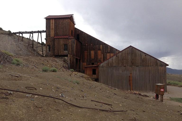 Mill_building_in_Berlin,_Nevada_at_Berlin-Ichthyosaur_State_Park