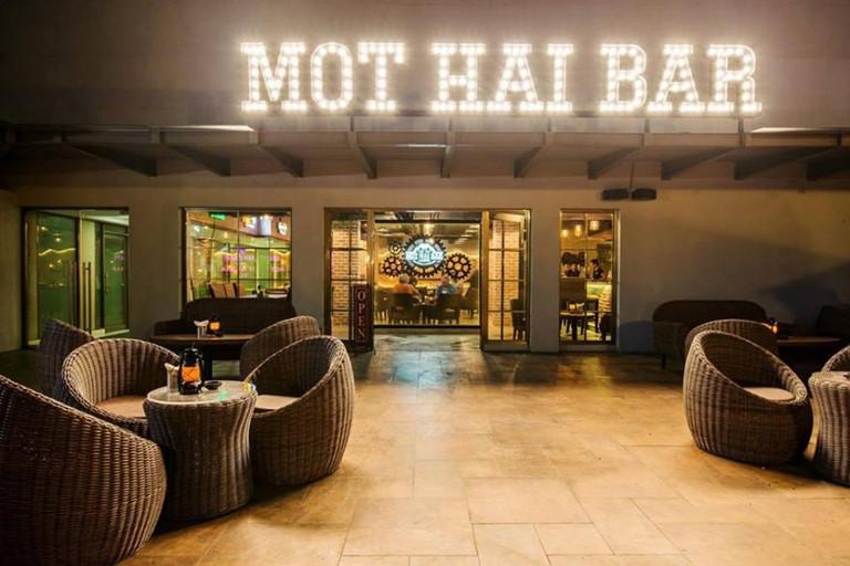 Mot Hai Bar