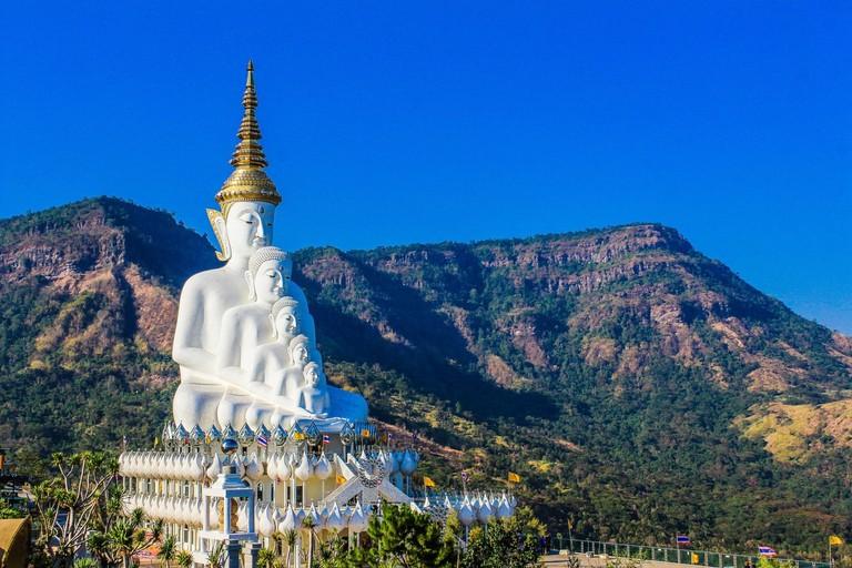 White Buddha statues