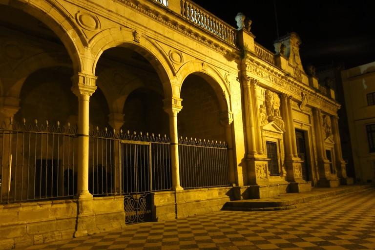 rsz_old_town_house_in_jerez_de_la_frontera_by_night