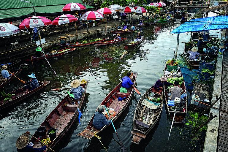 Samutsongkram_Tha_Kha_Floating_Market_2