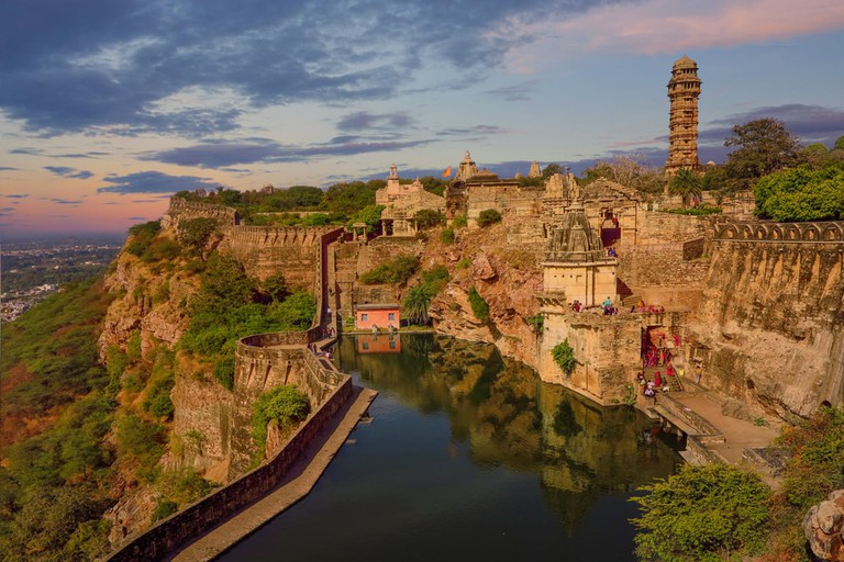A stone fortress on the hill of Fort Chittorgarh in India | © Lana Kray/Shutterstock