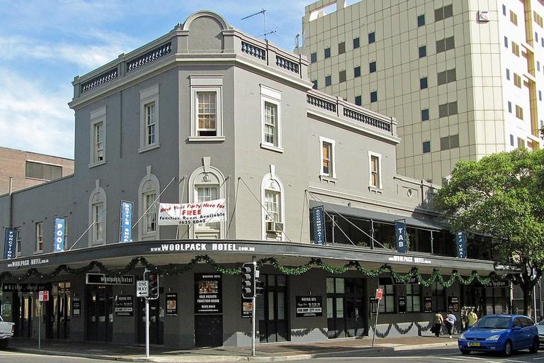 The Woolpack Hotel in Parramatta © Newtown graffiti / Flickr