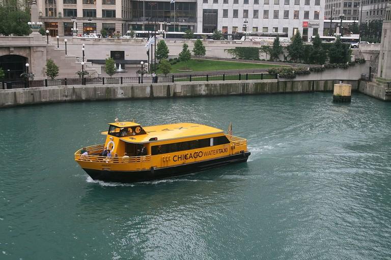 1200px-The_Chicago_RiverBus