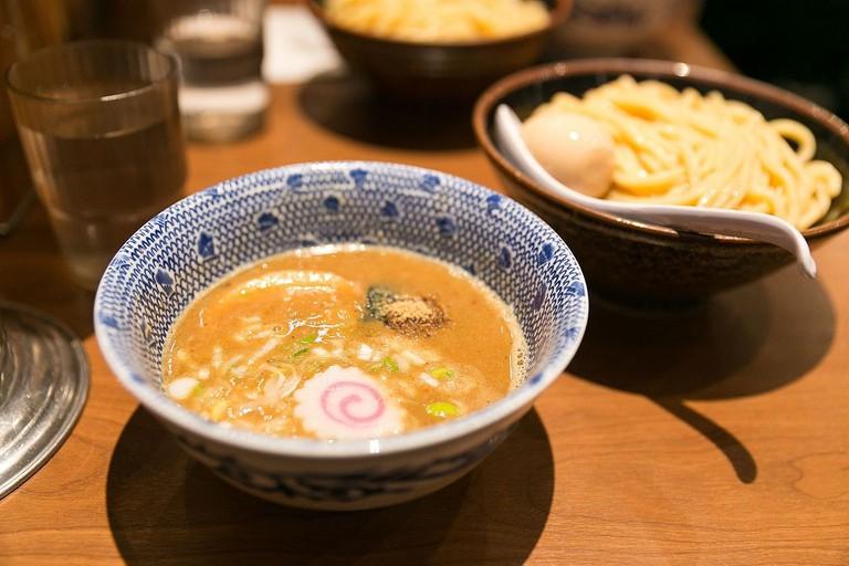 1200px-Tsukemen_at_a_Tokyo_restaurant
