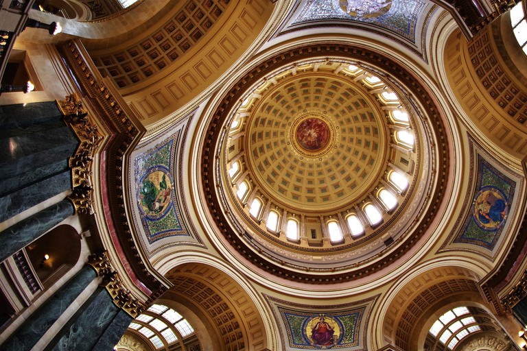 Inside the Wisconsin State Capitol Building | © Barry Dale Gilfry/flickr