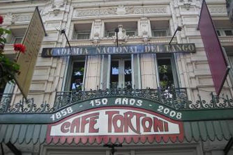 56-188161-800px-caf-tortoni