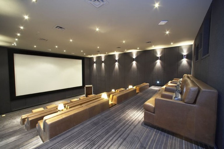 6.Silver-Screening-Room-650x433