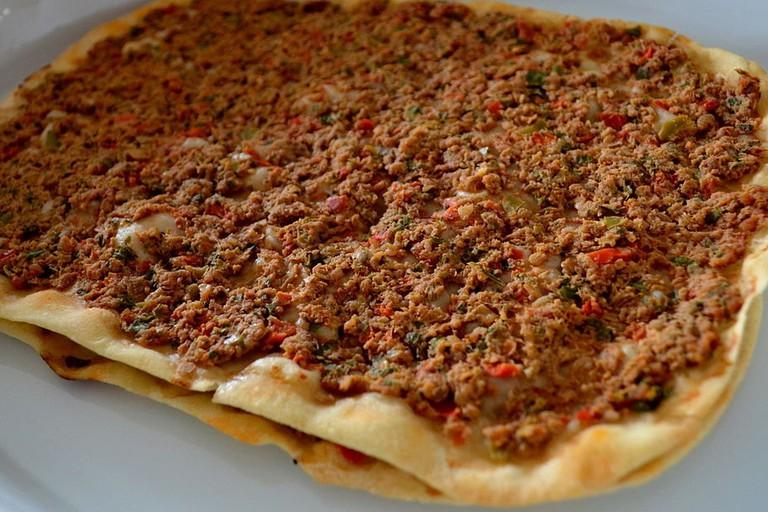 Armenian_lahmacun_(2)