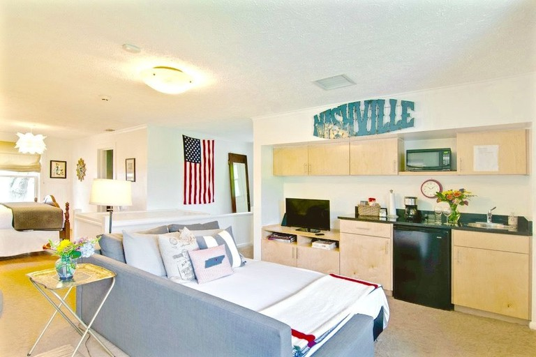 https://www.homeaway.com/vacation-rental/p606422vb?CID=a_cj_6753972&utm_source=aff_cj&utm_medium=partner&utm_campaign=Nashville+Guru%2C+LLC_6753972&utm_content=11555756_