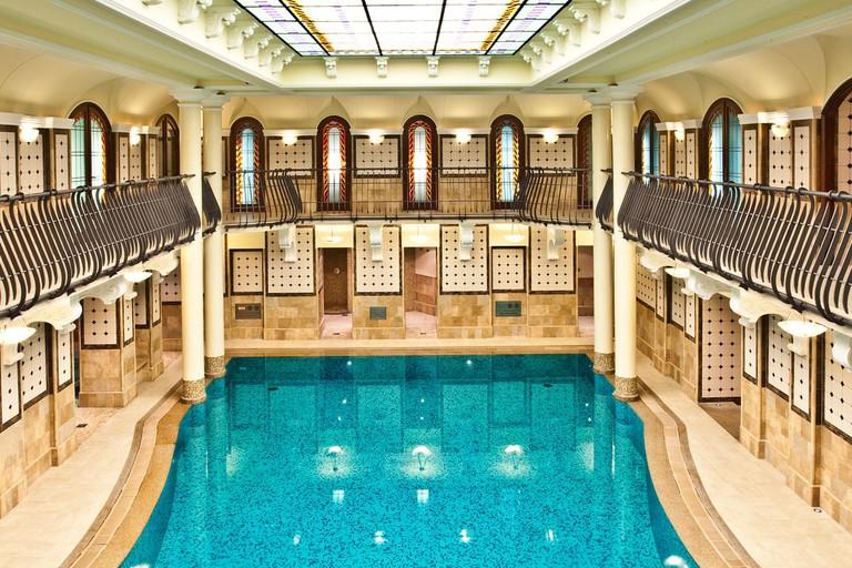 corinthia-budapest-swimming-pool