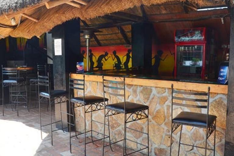 Doggles Bar