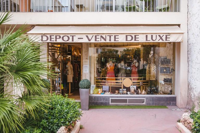 Le Dépôt, Cannes
