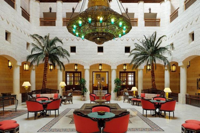 Movenpick_Petra_Lobby_Atrium_Where_to_Stay_Petra