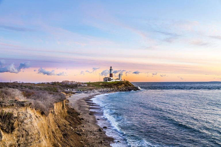 https://www.shutterstock.com/image-photo/atlantic-ocean-waves-on-beach-montauk-333302153?src=cVXLQxQtIoR-TAsDNhN7xw-1-3