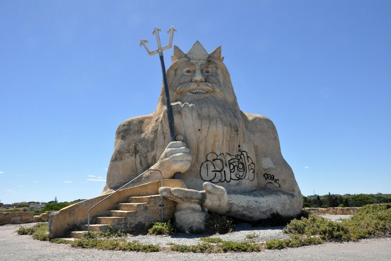Statue of King Neptune at Atlantis Marine Park © Tor Lindstrand / Flickr