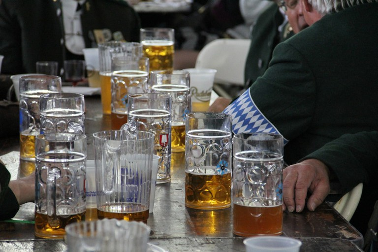Steins of German beer © NYC / Flickr