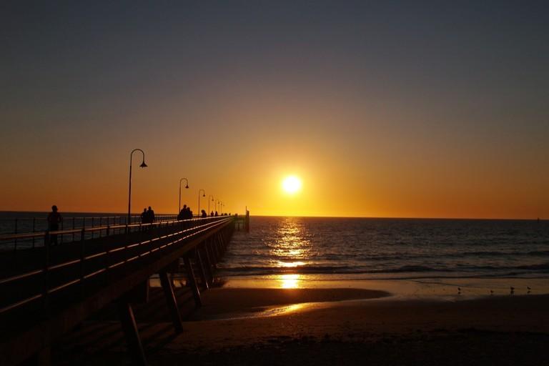 Sunset at Glenelg © Syed Abdul Khaliq / Flickr
