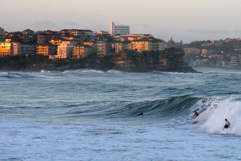 Surfers at Manly Beach © Christopher Eden / Flickr