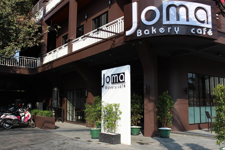 Joma Bakery Cafe