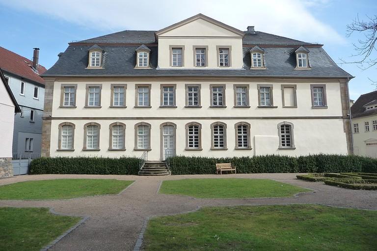 1280px-Schloss_Hohhaus_01