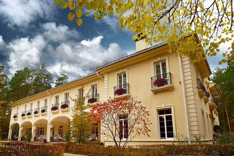 The elegant facade at the Kronon Park Hotel, Grodno   © Kronon Park Hotel