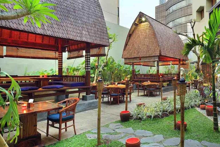 bebek-bengil-restaurant-menteng-jakarta-pusat-at-bebek-bengil-n7z