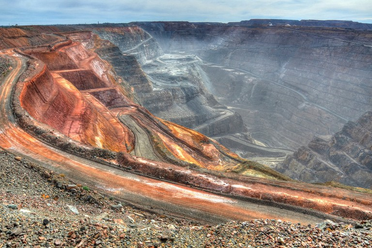 Kalgoorlie Super Pit © Chris Fithall / Flickr