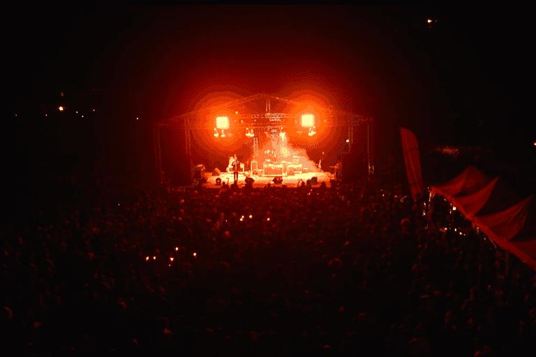 La scène et la foule