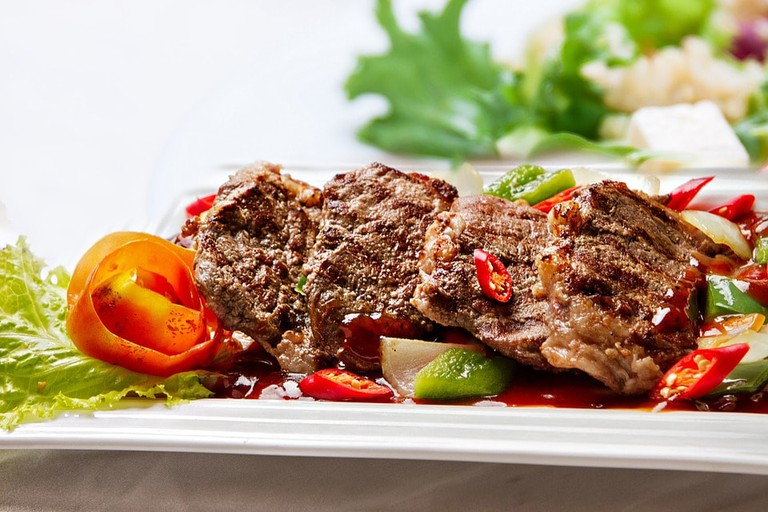 Grilled steak with peppers